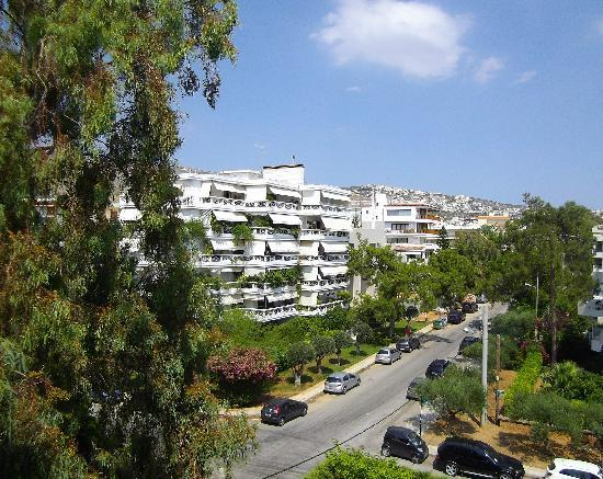 Sea View Hotel: Glyfada (view from my balcony to the right)