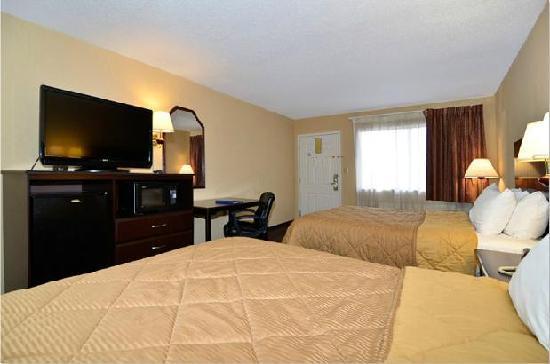 Quality Inn : 2 Queens Room