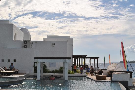 Bellarocca Island Resort and Spa: beachfront infinity pool