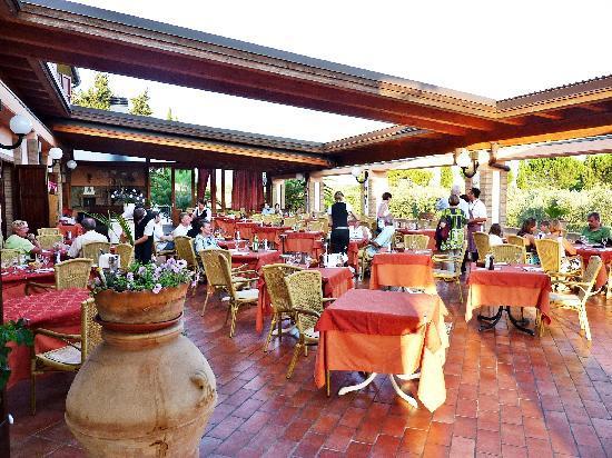Agrihotel Elisabetta: Terrasse