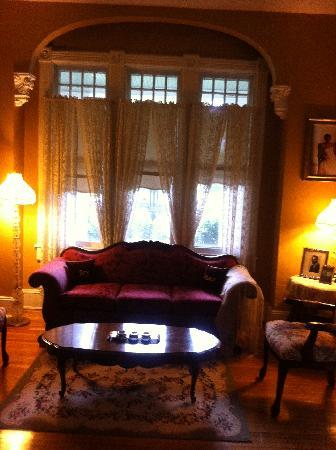 ‪‪Magnolia House Inn‬: A Lovely Sitting Room‬