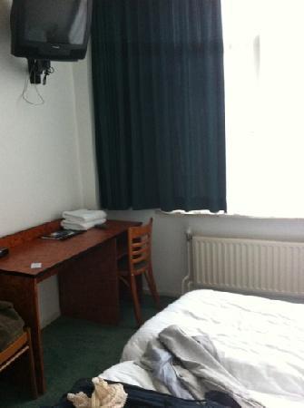 Hotel Benno: clean, unpretentious hotel...ok overall