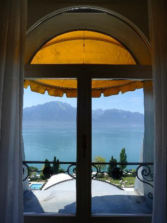Fairmont Le Montreux Palace: A room with a view!