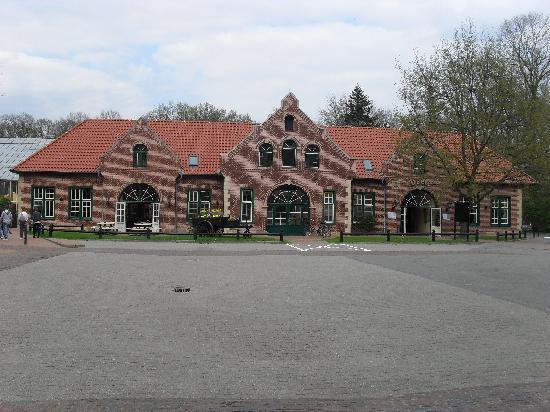 Haren, ألمانيا: Deelen ansicht von hinten