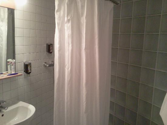 Wald & Golfhotel Lottental: Bathroom