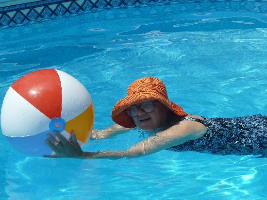 Freeville, estado de Nueva York: Mom enjoying the Bountiful Blessings Pool
