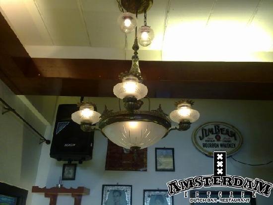 Cafe Amsterdam Koh Chang: Old Ship Lamp