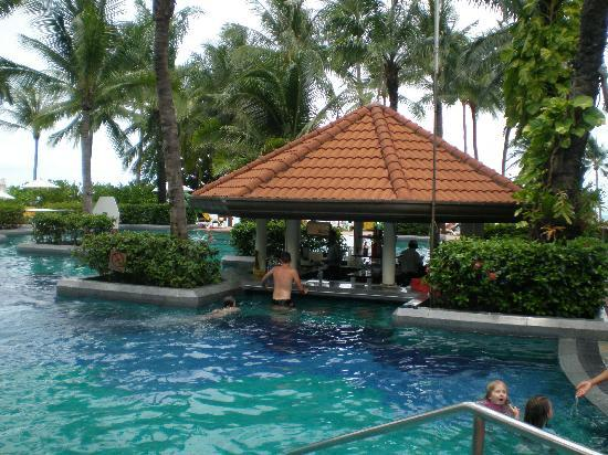 Centara Grand Beach Resort Samui The Pool Bar At