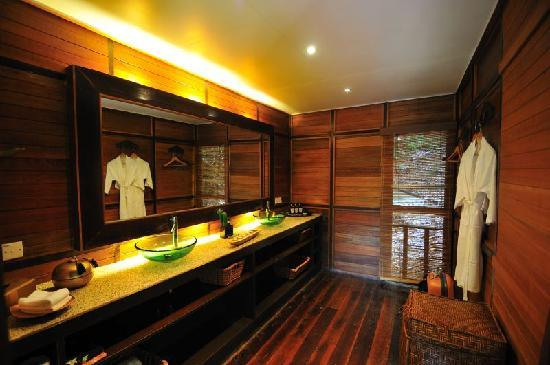 Japamala Resort - By Samadhi: bathroom