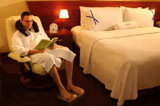Hodelpa Gran Almirante Hotel & Casino: Guest Room
