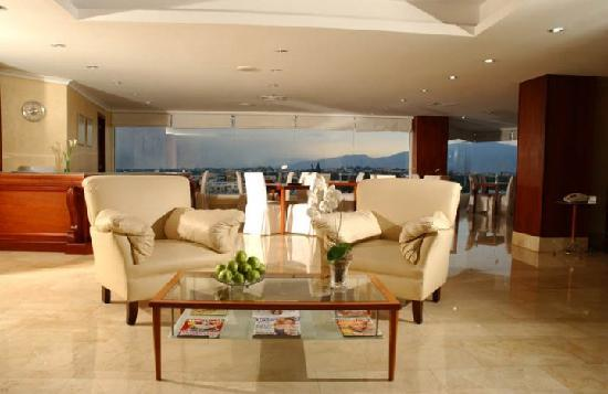 Hodelpa Gran Almirante Hotel & Casino: Lobby Club Imperial