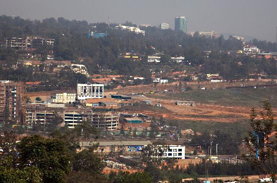 Elegancya Bed and Breakfast: view of Kigali from the breakfast room