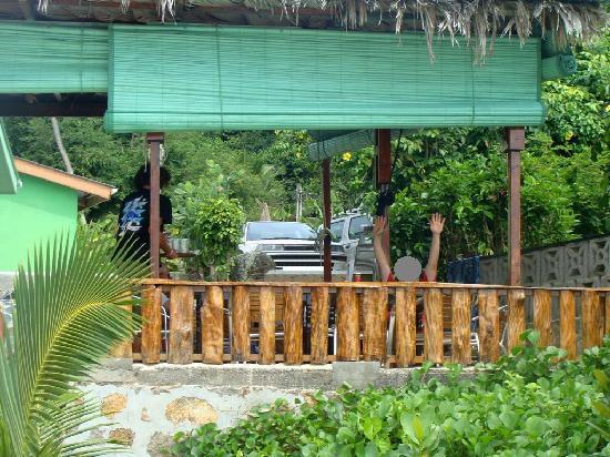 Anse Soleil Restaurant: Vista terraza donde comimos