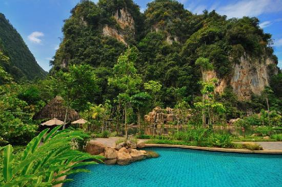 The Banjaran Hotsprings Retreat: main pool