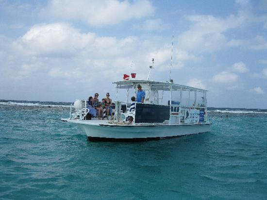 "The Cayman Club : ""Our Boat"""