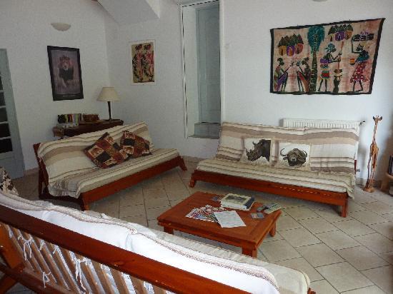 Le Petit Roc: Les Marronniers large living room