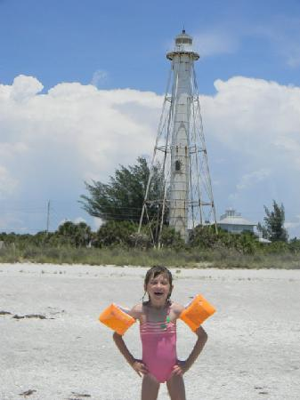 Boca Grande, Флорида: My daughter Tyhler in front of the old lighthouse