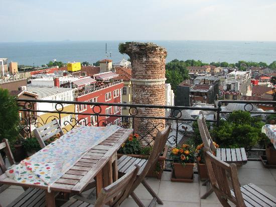 Ada Hotel Istanbul: Blick von der Dachterrasse