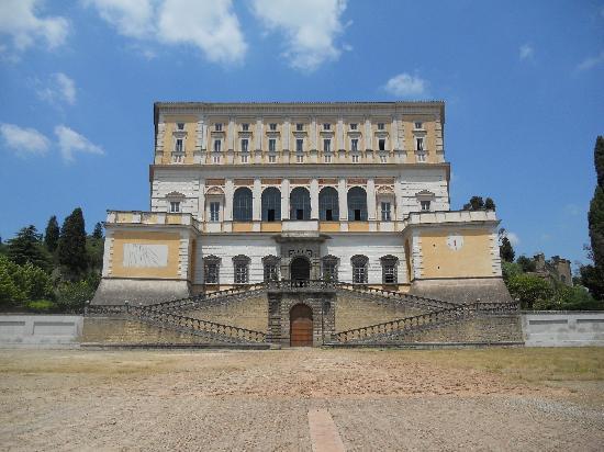 Caprarola, Italia: farnese fronte