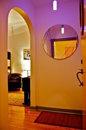 lofts@920: Suite Entry