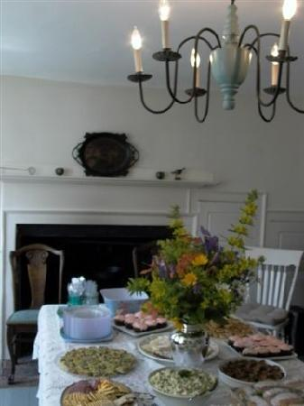 Blue Skye Farm: Dining Room