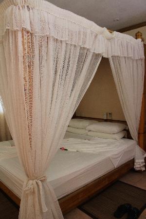 Indian Ocean Lodge: Un grand lit frai où il fait bon se prélasser!