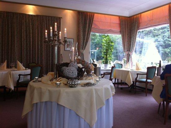 Landgoed Hotel & Restaurant Carelshaven: The dining room
