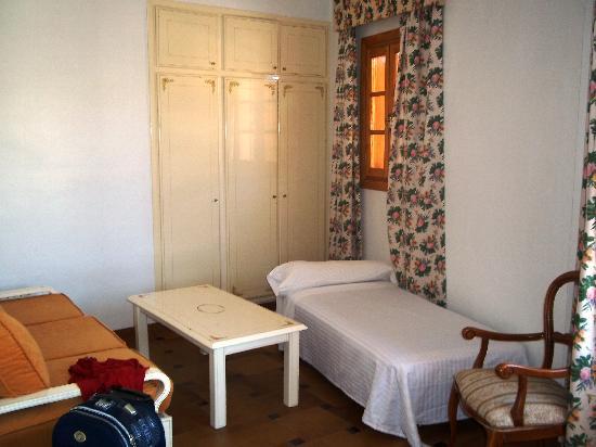 Hotel Maria Luisa: salita en la habitación