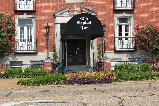 Old Capitol Inn: The main entrance