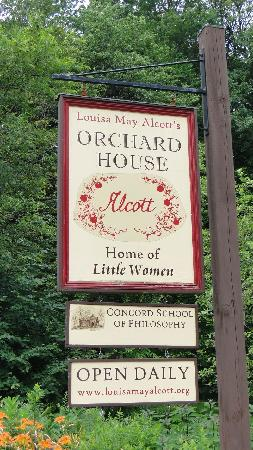 Orchard House: Sign out front