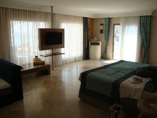 Paloma Pasha Resort : suite terrasse