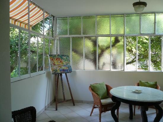 Hotel Villa les Cygnes : La véranda
