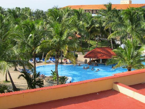 Piscine picture of sol sirenas coral resort varadero for Piscine varadero