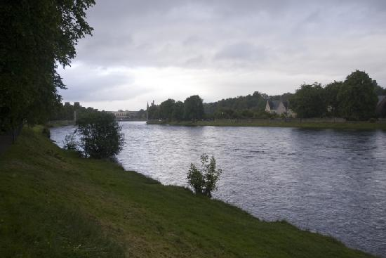 Lynver Guest House: River Ness