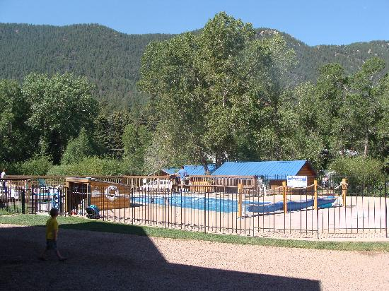Lone Duck Campground: Swimming pool/Splash pad
