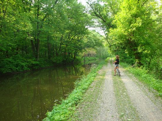 Porches on the Towpath : bike trail right out the door!
