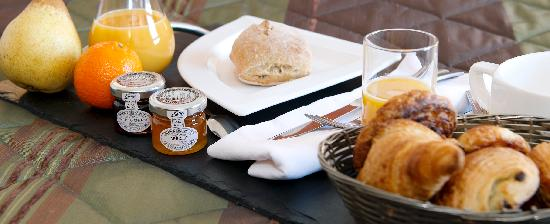 Inter Hotel Les Peyrieres : Petit déjeuner...