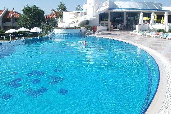 PrimaSol Sineva Park: pool