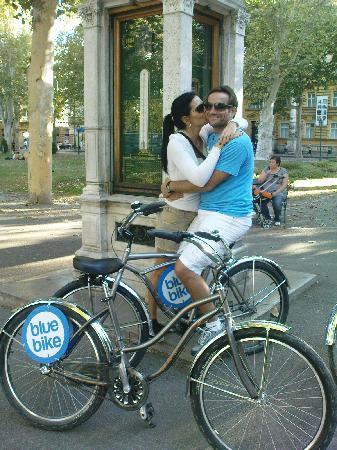Blue Bike Zagreb Cycling Tours: A very romantic couple