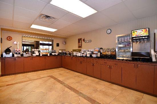 Comfort Inn & Suites Branson Meadows: Breakfast Room