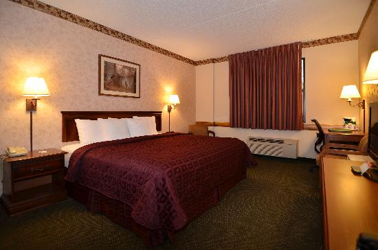 Comfort Inn & Suites Branson Meadows: King Room
