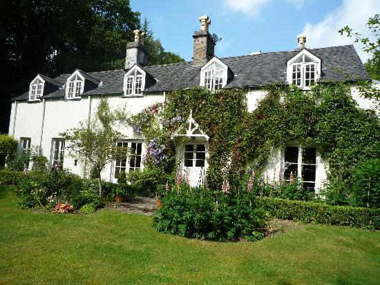 Coedmor Self catering Holiday Cottages: Coedmor House