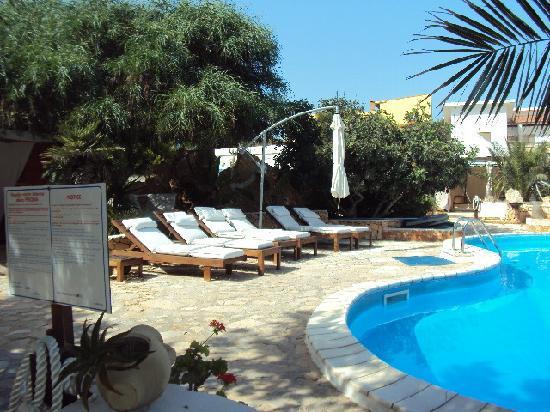 Hotel Luagos Club: lato piscina