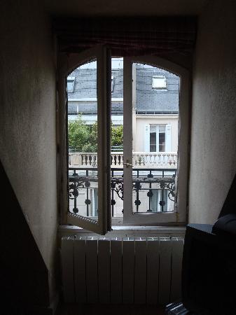 BridgeStreet Champs Elysees -  Berri : ...la finestra....