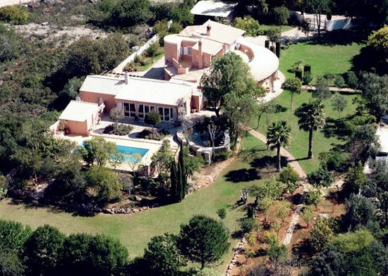Casa Caseta: Areal View of the Property and Gardens