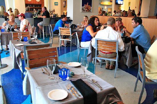 H2O Cajun Asian Grill: Dining Room