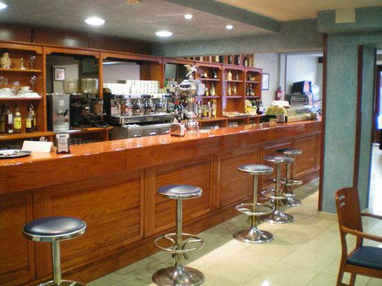 Voramar Hotel: Bar