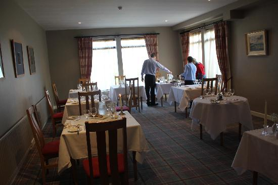 Sheedy's Country House Hotel: Sheedys - preparing for dinner guests