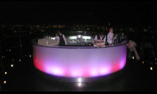 Sky Bar, Bangkok: Scirocco-The sky bar at Bangkok state tower