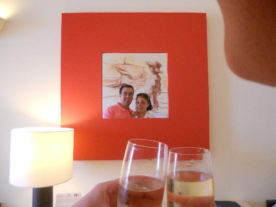 Lopesan Villa del Conde Resort & Corallium Thalasso: Brindis en la habitación